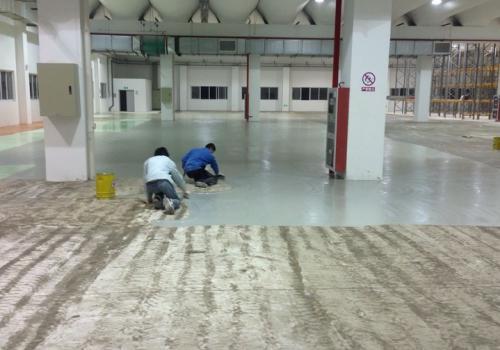 100平方米地坪漆所需的材料量